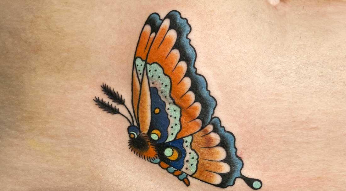 Перекрытие шрамов татуировкой